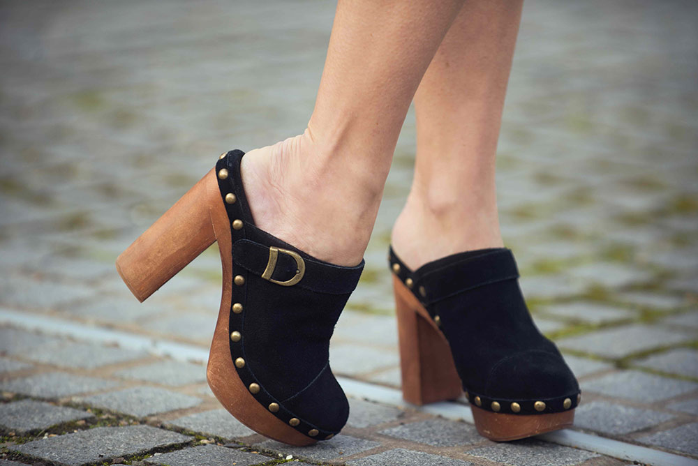 Woodies by Jeffrey Campbell Clogs